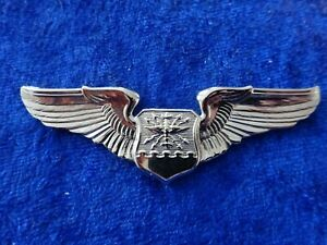 (A23-029) US Air Force Pilot NAVIGATOR BADGE Chrom