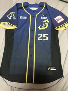CPBL Brother Elephants #25 Chou Game Worn Used Jersey 2018 PTT Taiwan Authentic
