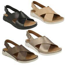 Sandalias y chanclas de mujer Clarks de piel