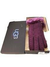 Ladies Ugg Gloves In Box Size Medium