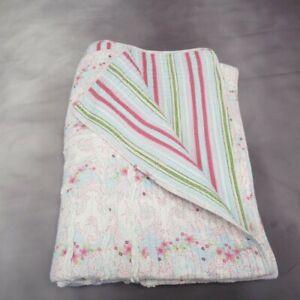 "Vintage Quilted Bedspread 86x67"" Floral & Striped Reversible Pattern Blanket"