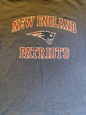 New England Patriots  Football NFL T-Shirt Mens Medium M  Logo Distressed