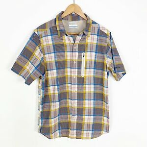 Columbia Men's Plaid Casual Button Front Vented Hiking Short Sleeve Shirt Size M