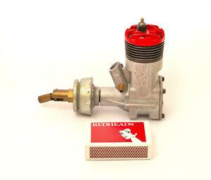 McCOY 35 VINTAGE CAR ENGINE - A RARE VINTAGE MODEL. NEW NEVER FIRED.