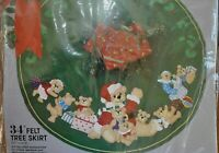 "Christmas Tree Skirt Kit Teddy Bears Santa 34"" Felt Vtg 1993"