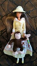 Bambola Barbie SPAGNOLA Teresa Curious George outfeet Gingham vestito giallo Cappello 2000