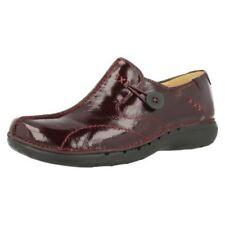 Chaussures rouges Clarks en cuir pour femme