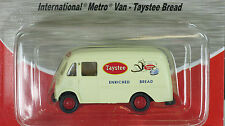 Classic Metal Works 1/87 HO International Metro Van TAYSTEE BREAD 30371