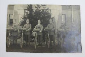 Foto Soldaten Jäger Feldgrau mit Tschako und Truppenrad Fahrrad 1.Weltkrieg