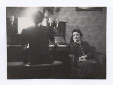 PHOTO ANCIENNE Musicienne Piano Pianiste Femme de dos Jeu Mains Lumière blanche