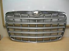 2005-2008 CHRYSLER 300 FRONT GRILLE WITH EMBLEM OEM 4805926AC