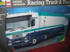 REVELL® 07539 1:24 SAUBER PETRONAS RACING TRUCK&TRAILER NEU OVP