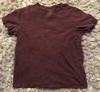 VINCE Men's V Neck T-Shirt Maroon Burgundy PinStripe Sz Large L Short Sleeve