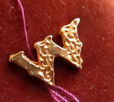 """New On Card Vintage 1970s Gold Tone Monogram """"W"""" Tie Tac Tack Lapel Pin"""