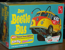 AMT 1960's VW Volkswagen Der Beetle Bus show car model kit 1/25