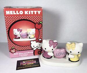 Hello Kitty Precious Moments Kitty & Mimmy Heart Porcelain Figurine 2012 - Nice!