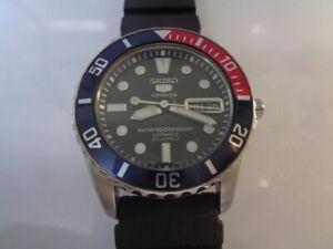 Seiko 5 Sports Divers Mens Watch Day & Date Sea Urchin 7S36-03E0 Original Black