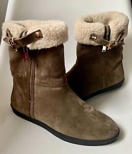 NEW BURBERRY STANLEIGH SHEEPSKIN GOLD HARDWARE FLAT ANKLE BOOTS 37  UK 4