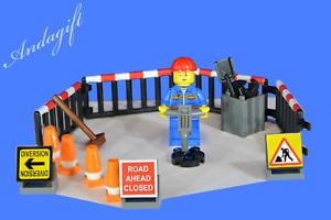 LEGO road workman roadworks traffic cones fence signs tools broom shovel NEW