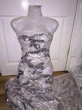 """1 Mtr ivory/silver secuenciado Bordado Bridal Tul neto Tela 52 """"de ancho £ 9.99"""