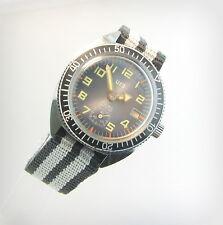 Vintage ,eye-catching  URA  Rare..diver..17 Jewels..Incabloc.. Date..80's.