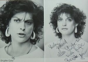 Brigitte Götz, TV Bühne, Autogramm Faltblatt handsigniert 21x15 cm, #90