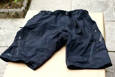 Endura MTB shorts with padded inner (size M)