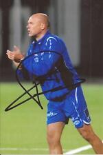 Molde FK. * Uwe Rosler firmado 6x4 foto de acción + certificado De Autenticidad