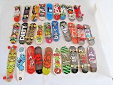 29 x TECH DECK Finger Jouer Mini skate boards-Santa Cruz également