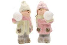 Junge & Mädchen in Winterkleidung, Schneeball LED, Glitzer-Schnee, Keramik, 28cm