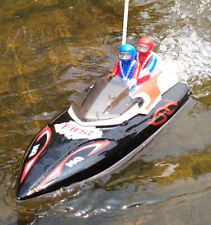 HQ Radio Remote Control Rc Boat + Figures High Speed up to 12 Km/h
