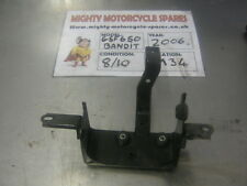 SUZUKI 2006 K6 GSF 650 BANDIT ABS BATERY CLAMP HOLDER COVER M34