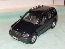 Maisto Mercedes Benz ML320  Model Car SUV 1:24 Diecast