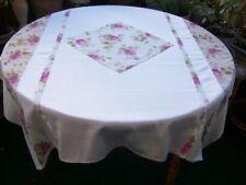 Handgefertigte Tischdecken fürs Esszimmer