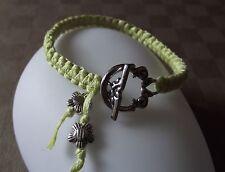 Bracelet Macramé noué amitié vert anis * Fermoir & fleur argenté * fait main
