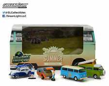 MOTOR WORLD DIORAMA VOLKSWAGEN SUMMER FESTIVAL 6PCS SET 1/64 BY GREENLIGHT 58032