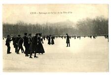 CPA 69 Rhône Lyon patinage sur le Lac de la Tête d'Or animé