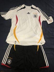 Adidas 2006 GERMANY World Cup Soccer Füssball  Jersey & Shorts (Large)