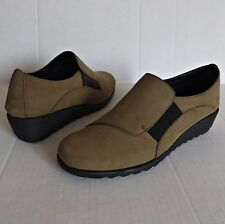 THE FLEXX $133 Shoes RUN FOR IT Wedge Loafers Slip On Brown Nubuck Women Sz 6.5