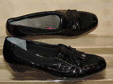 Ros Hommerson Theresa 8 N Narrow Black Patent Croc Leather Kiltie Loafer EC LN