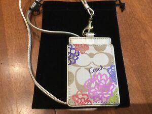 NEW COACh Khaki/Multicolor Sig. C Daisy Lanyard ID Case/Badge Holder #63676