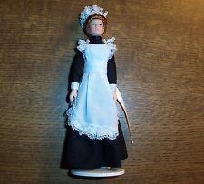 Puppenstubenpuppe elegantes Dienstmädchen in schwarzer Kleidung - Miniatur 1:12