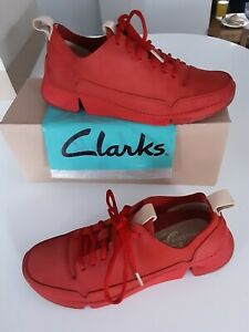 Clarks TRIGENIC 'Tri Spark' Red Nubuck Leather Casual Lace Up Shoes size 4
