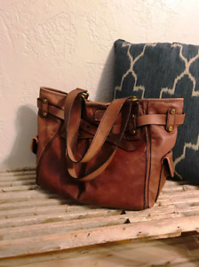 Large gently used distressed brown leather Fossil tote shoulder