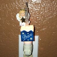 Christmas Angel Peace Night Light with Glitter Motion Moving Glitter Pre-owned