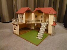 SYLVANIAN FAMILIES WILLOW HALL MANOR HOUSE WITH BALCONY GARDEN & WORKING LIGHTS