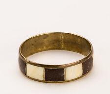 pendant fils Coton N°2195 Eventail bois noir,dentelle noir doublée brodé doré