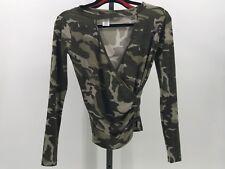 Top Chic Women Camo Long Sleeve Shirt Causal Top cut out vneck sz Large BD3