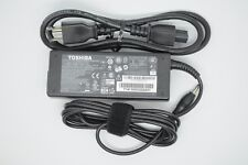 Toshiba Satellite A205-S5800, PSAF3U-0NQ015 AC Laptop Power Charger Adapter