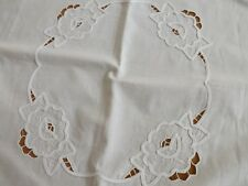 VINTAGE WHITE COTTON EMBROIDERED TABLE TABLECLOTH WITH CROCHET EDGE